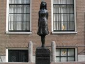 English: Statue of Anne Frank in Amsterdam.