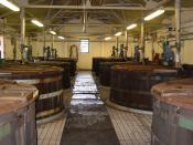 Brewing vessels containing wash, for Single Malt Scotch production. 日本語: ラガヴリン蒸溜所のウォッシュバック