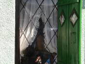 English: Green window