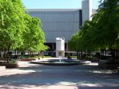 English: This is a photo of the Library Quad located on the campus of California State University, Sacramento.