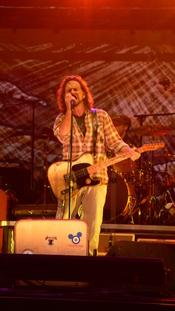 English: Eddie Vedder of Pearl Jam 2008