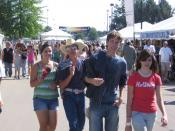 English: Two adolescent couples at the 2009 Western Idaho Fair in Garden City, Idaho.