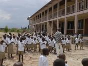 Deutsch: Bild der Carolus-Magnus-Schule in Burundi. Diese Schule wurde mitfinanziert aus Geldern der Kampagne