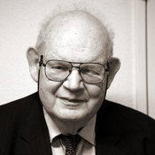 English: Benoît Mandelbrot at the EPFL, on the 14h of March 2007