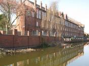 Listed buildings on corner of Cash's Lane and Kingfield Road, Coventry, England, built by Cash's. Rotated crop of File:Coventry Canal - Near Cash's Lane.jpg.
