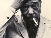 English: Duke Ellington during concert break at Jahrhunderhalle in Frankfurt/Germany, on 1965-02-06 Deutsch: Duke Ellington vor seiner Garderobe, während der Konzertpause in der Jahrhunderthalle Frankfurt-Hoechst, am 06. Februar 1965