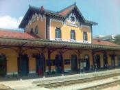 English: Volos rail station in 2005. Magnesia, Greece Deutsch: Der Bahnhof der Stadt Volos, Präfektur Magnisia, Griechenland, im Jahre 2005.