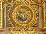 English: A symbol of Louis XIV, ceiling of the hall of mirrors in the Palace of Versailles Français : Un des symboles de Louis XIV avec sa devise (Non pareil à la multitude). Plafond de la Galerie des Glaces, Château de Versailles.