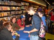 English: Silverstein at a fan signing