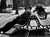A couple of guys sleeping near the Kiosko Alfonso in A Coruña (Galicia, España. Galego: Dúas persoas durmindo a sesta nos arredores do Kiosko Alfonso, na Coruña (Galicia, España).