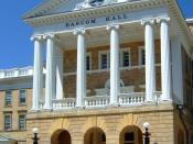 English: Bascom Hall on the campus of the University of Wisconsin-Madison.