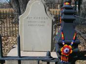 English: photo by Einar EInarsson Kvaran of Kit Carson's grave in Taos, New Mexico yhrirshgjtkihfdkry