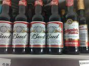 English: American und Tchech Budweiser in Tray