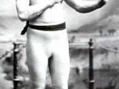 English: John Lawrence Sullivan (October 15, 1858 – February 2, 1918), also known as the Boston Strong Boy, in his prime. He was recognized as the first heavyweight champion of gloved boxing from February 7, 1882 to 1892, and is generally recognized as th