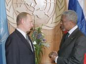 English: UNITED NATIONS HEADQUARTERS, NEW YORK CITY. President Vladimir Putin with UN Secretary General Kofi Annan. Русский: НЬЮ-ЙОРК, ШТАБ-КВАРТИРА ООН. С Генеральным секретарем ООН Кофи Аннаном.