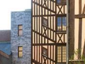 Cage d'escalier à colombages