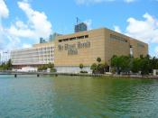 English: The Miami Herald and El Nuevo Herald building in Miami, Florida as seen from the Venetian Causeway 7/11/2008. Español: El edificio del The Miami Herald y El Nuevo Herald