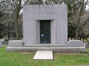 English: I took this photograph of George Gershwin's mausoleum in Westchester Hills Cemetery on April 12, 2006. -- GNU Free Documentation License
