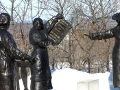 English: Emily Murphy, Nellie McClung (holding paper), and Irene Parlby (arm extended), Famous Five statue, Parliament Hill, Ottawa, Ontario, Canada