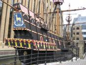 English: Replica of the Elizabethan galleon, The Golden Hind, captained by Francis Drake in 16th Century, Southwark, London, UK Español: Réplica del galeón isabelino The Golden Hind, capitaneado por Francis Drake en el siglo 16, Southwark, Londres, UK