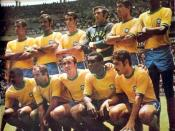 English: Brazilian team before the match against Peru in 1970 WC. The same players would play the final against Italy. From the left to right: Carlos Alberto Torres, Brito, Piazza, Félix, Clodoaldo and Everaldo; Jairzinho, Gérson, Tostão, Pelé and Rivelin