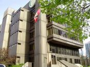 English: TDSB Education Centre - The head office of the Toronto District School Board at 5050 Yonge Street in North York, Ontario. Español: TDSB Education Centre - La sede del Consejo Escolar del Distrito de Toronto Français : TDSB Education Centre - Le s