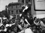English: Egyptian Prime Minister Nasser cheered in Cairo after announcing the Suez Canal Company, August 1, 1956.