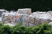 English: Used paper is collected for paper recycling in Ponte a Serraglio near Bagni di Lucca, Italy Deutsch: Altpapier auf einem Recyclinghof in Ponte a Serraglio bei Bagni di Lucca, Italy
