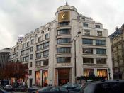 Louis Vuitton, Champs-Elysées Paris 2006. Author: Louise Walsh Location: Paris 2006 Source: Personal photograph taken by Author