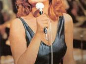 Mina's performance during the first episode of RAI's Teatro 10 television series broadcast from Rome on 11 March 1972