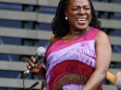 English: Sharon Jones & The Dap-Kings performing in Pori Jazz 2010.