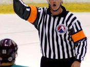 English: Ice hockey - American Hockey League referee Dean Morton Deutsch: Eishockey - American Hockey League-Schiedsrichter Dean Morton