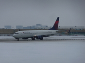 English: Delta Airlines 737-800 at Minneapolis/St. Paul International Airport.