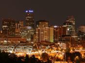 English: Denver skyline around midnight from I-25 and Speer Blvd. Deutsch: Die Skyline von Denver um Mitternacht.