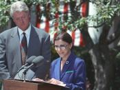 English: Ruth Bader Ginsburg, then a Judge on the U.S. D.C. Circuit Court of Appeals accepts her nomination to the United States Supreme Court while President Bill Clinton looks on.
