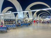Terminal de salidas del aeropuerto de Sevilla