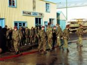 English: 2 para guarding POWs Port Stanley 1982