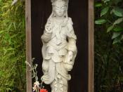 English: A statue of the Bodhisattva Kwan Yin, taken at Green Gulch Farm, a Sōtō Zen center, near San Francisco, CA.