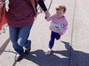 Alma élete első futóversenyén