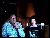 English: Margaret Atwood & Graeme Gibson maing a TV PSA fundraising for the Bodega Ridge Preservation Campaign, Galiano Island, 1993. Español: Margaret Atwood & Graeme Gibson hiziendo un propaganda de TV para la preservación de Cerro Bodega, isla Galiano,