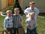 English: Will, Luke, and Doug, hunt for Easter eggs with cousin Ethan