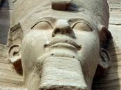 English: Pharaoh Ramses II of Egypt in Abu Simbel. Suomi: Ramses II:n patsas Abu Simbelissä. Italiano: Ramsete II, Abu Simbel Русский: Фараон Рамзес II. Svenska: Ramses II, Abu Simbel