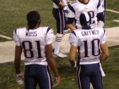 English: Tom Brady with Randy Moss and Jabar Gaffney after throwing for record 50th td against NY Giants