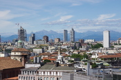 English: Milan, seen from the roof of the cathedral Polski: Mediolan, widziany ze szczytu katedry