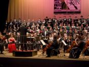 English: Tenor José Mongelós singing Beethoven's Ninth Symphony. Español: El tenor José Mongelós cantando la Novena Sinfonía de Beethoven