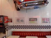 English: The 1950s diner aesthetic is still in fashion for some more modern restaurants - here an example of the decor in a 2010 Burger King located in Newmarket, Auckland City, New Zealand.