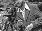 English: A photo portrait of photographer Ansel Adams, which first appeared in the 1950 Yosemite Field School yearbook. Deutsch: Portrait des Fotografen Ansel Adams, erstmals 1950 im Jahrbuch der Yosemite Field School erschienen.