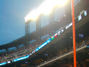 English: If the ball hits the foul pole, the ball is fair and a home run is awarded to the batter. Citi Field's left field foul pole used in the sport of baseball. Left field foul pole at Citi Field in Flushing, Queens.