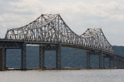 English: The Tappan Zee Bridge as seen in Tarrytown, NY