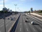 Autopista Panamericana, imagen tomada sobre el puente Pte. H. Yrigoyen con dirección sur (aprox. a 20 cuadras para ingresar a la Ciudad de Buenos Aires, Argentina)